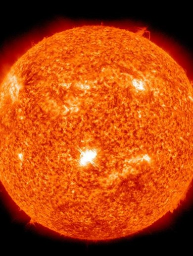Massive solar flare sends particles towards Earth