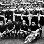 Trapattoni (left front row) lines out for AC Milan three years later.
