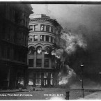 The Crossley Building burning in San Francisco after the 1906 earthquake. (Library of Congress, Prints & Photographs Division)