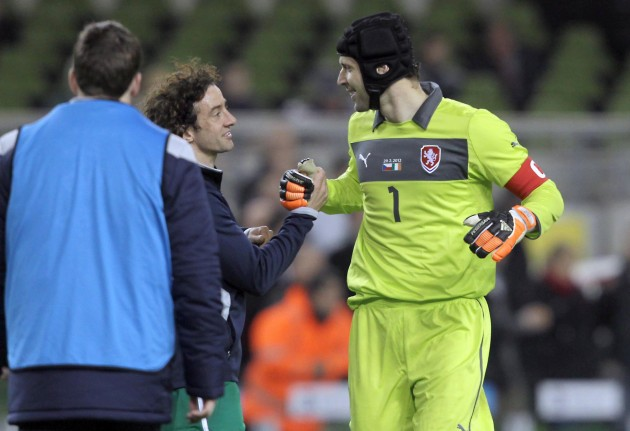 Stephen Hunt and Petr Cech 29/2/2012