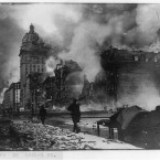 The blaze along the city thoroughfare of Market Street. (Library of Congress, Prints & Photographs Division)