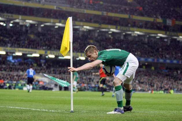 Damien Duff throws a paper paper plane 15/11/2011