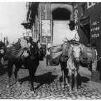 Vegetable traders, circa 1904. (Library of Congress, Prints & Photographs Division)