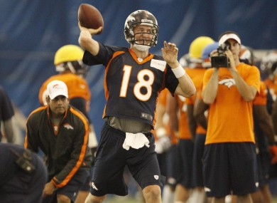 Peyton Manning throwing during indoor drills last week.