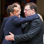 Brian Cowen looking completely at ease in this embrace with Nicholas Sarkozy outside Government Buildings in Dublin. (Julien Behal/PA Wire)