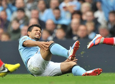 Aguero injures his knee.