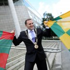 Dublin''s Lord Mayor Naoise O'Muíri welcomes the Donegal and Mayo fans to the city. Image: Photocall Ireland