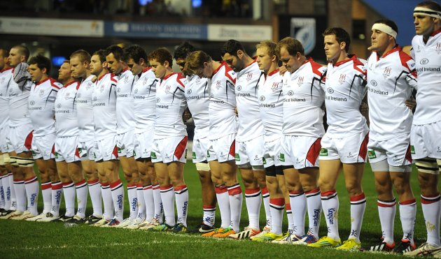 Ulster players during the minute silence in memory Nevin Spence 28/9/2012