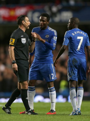 Mark Clattenburg with Chelsea players Mikel and Ramires.