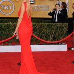 Maria Menounos looking hot in daring red. (Photo by Jordan Strauss/Invision/AP)