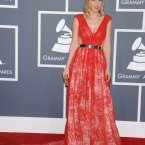 Natasha Bedingfield is still knocking around. 