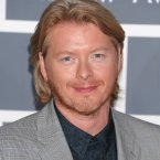 Hey, Ronan Keating, what are you doing at the Grammys? 