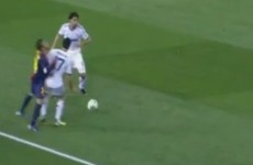 VIDEO: Jordi Alba doesn't know whether to hold his head or his leg after nothing Arbeloa tackle