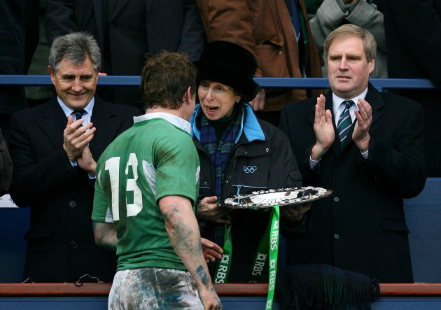 Brian O'Driscoll receives the Triple Crown 10/3/2007